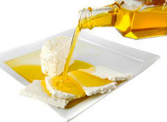 Thinkstock106560750_SS_FOOD_cheesemaking#2